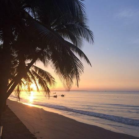 Hoàng hôn tuyệt đẹp ở khu nghỉ dưỡng Minh Tâm Beach Phan Thiết.Ảnh:@elena_zhmak