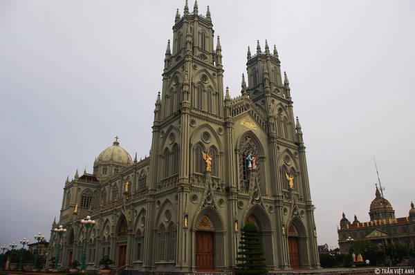 Đền thánh Kiên Lao. Ảnh: Trần Việt Anh