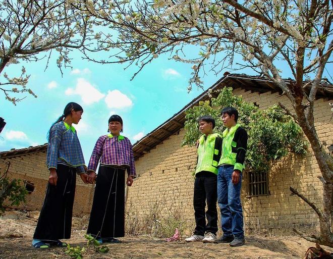 Những năm gần đây, các ngôi nhà trình tường của đồng bào Tày - Nùng được rất nhiều khách du lịch, nhiếp ảnh gia tìm đến tham quan, chụp ảnh. Dạo quanh những ngôi nhà này, du khách sẽ cảm thấy tâm hồn nhẹ bẫng bởi khung cảnh cổ kính, cùng nét văn hóa mang giá trị bản sắc dân tộc từ đời sống sinh hoạt của đồng bào nơi đây.