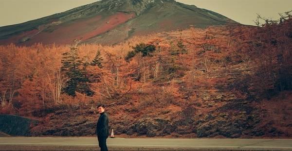 Đây là núi Phú Sĩ nhìn từ trạm số 5, trạm cao nhất mà xe có thể đưa khách du lịch lên. Muốn lên đỉnh núi, bạn phải leo bộ thêm 5 trạm nữa.