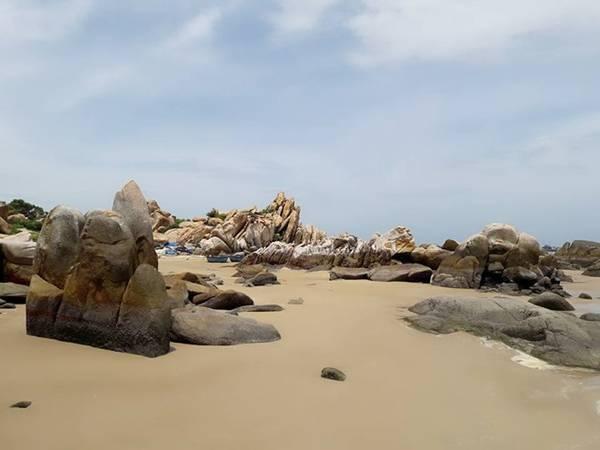 Bãi đá tuyệt đẹp.