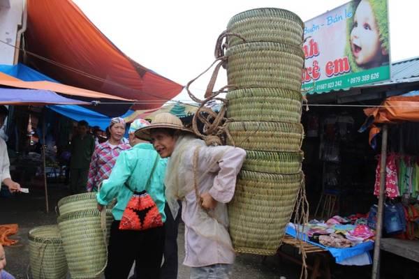 Gùi đan bằng tre để gùi nông sản trong mùa vụ.