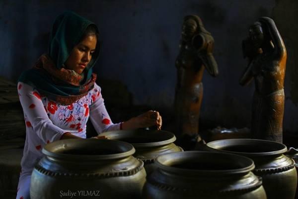Cô gái Chăm ở Phan Rang đươc chụp bởi Sadiye Yilmaz.