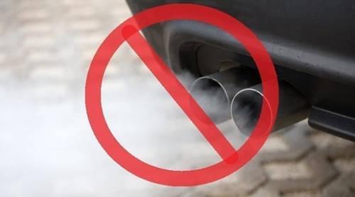 """Chính phủ cấm bán xăng và các loại xe chạy bằng động cơ diesel: Đến năm 2025, ô tô chạy bằng xăng và dầu sẽ không còn """"đất"""" ở quốc gia của những bông tulip nhằm bảo vệ môi trường. Các loại xe chạy bằng điện hay năng lượng mặt trời sẽ được miễn giảm thuế, nhằm kích cầu người dân sử dụng."""