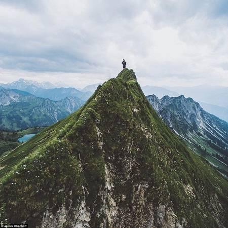 Bức ảnh chụp khung cảnh thiên nhiên của cậu bé 16 tuổi Jannik Obenhoff khiến bạn muốn vác balo lên và đi.