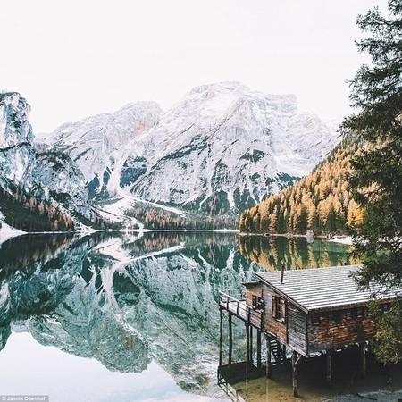 Obenhoff cho biết cậu chọn thiên nhiên làm chủ đề chính do rất thích khung cảnh nước Đức và dãy Alps gần nơi cậu sống.