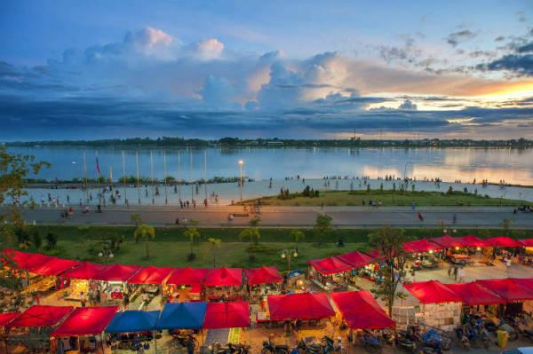 Một góc dòng sông Mekong chảy qua Lào. Ảnh: shutterstock.