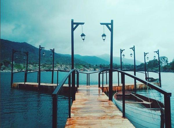 Hồ Đá Xanh địa điểm lung linh để chụp hình ở Vũng Tàu.