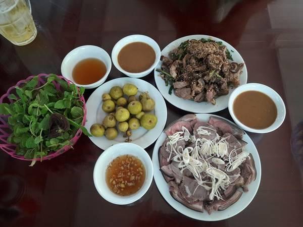 Đặc sản thịt dê Ninh Bình.