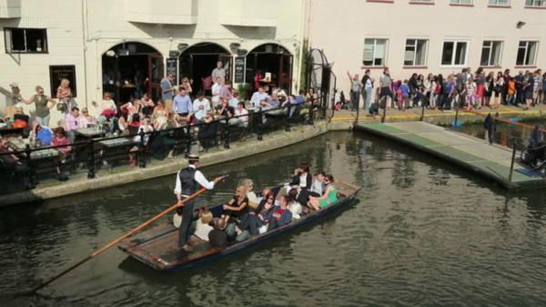 Lễ hội nước ở Kastellorizo - Ảnh: shutterstock