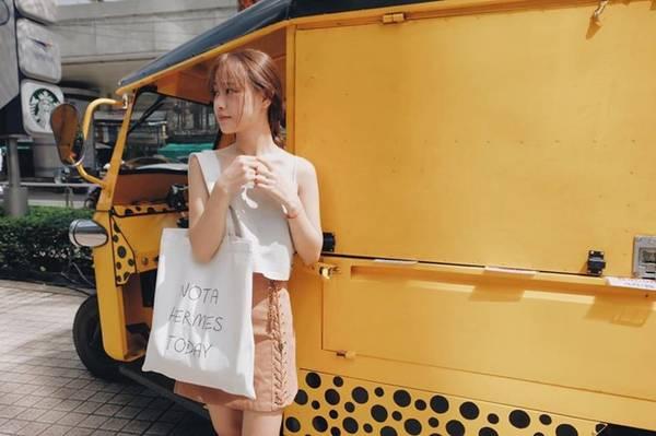 Chúng tôi suốt ngày ăn hàng quán vỉa hè, ăn nhiều tới mức nghiện thức ăn đường phố. Việc la cà trên phố kiếm cái gì ngon ngon đã trở thành niềm vui.