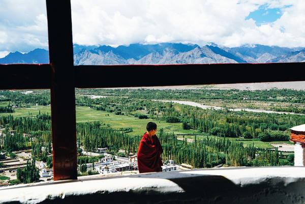 Ở đây có rất nhiều tu viện nổi tiếng và Phật giáo ảnh hưởng sâu sắc đến người dân.