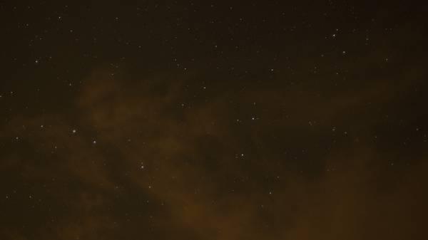 Bầu trời đêm đầy sao ở biển Hồ Cốc. Ảnh: Hoàng Việt