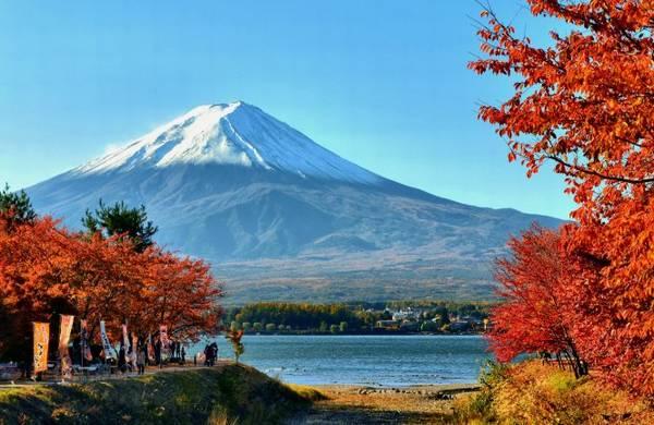 Mùa thu ở hồ Kawaguchi dưới chân núi Phú Sĩ - Ảnh: matome.naver.jp