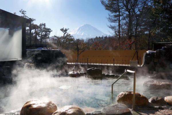 Suối nước nóng Fuji Chobo no Yu Yurari - Ảnh: wp