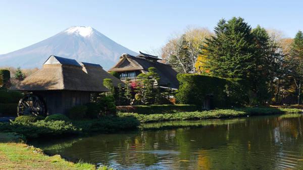 Một góc làng cổ Oshino Hakkai - Ảnh: wp