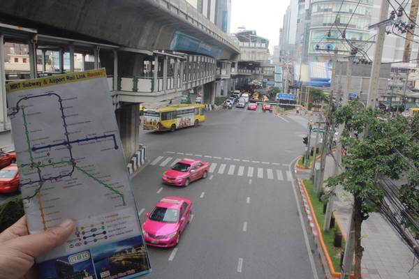 Hướng dẫn chi tiết cách sử dụng tàu điện ngầm (MRT) khi du lịch Bangkok