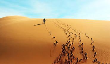 trekking-qua-nhung-doi-cat-tuyet-dep-o-binh-thuan-ivivu-5