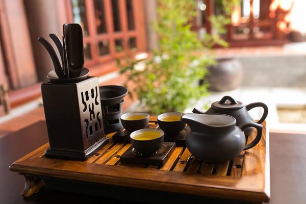 Bao gồm: 12 loại trà cung đình Huế, trà Thái Nguyên, trà Sen Cha Nhật, trà Ô Long Tâm Châu, trà ướp sen, trà mộc…