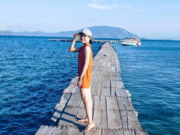 Tìm ra Điệp Sơn - đắm mình với biển trong xanh.