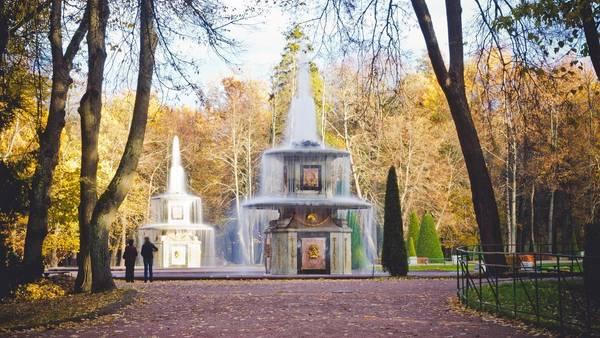 St. Petersburg vừa huy hoàng, tráng lệ, lại ẩn chứa trong mình đầy những huyền thoại lịch sử