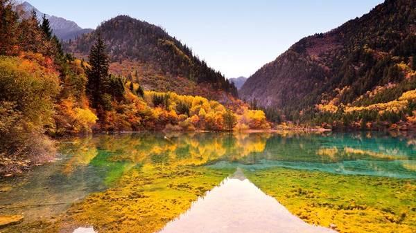 Vùng này được hình thành trên dãy núi đá vôi trầm tích thuộc các cạnh của cao nguyên Tây Tạng.