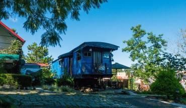 Dalat-Train-Villa-quan-ca-phe-nho-xinh-phai-ghe-neu-den-da-lat-ivivu-4