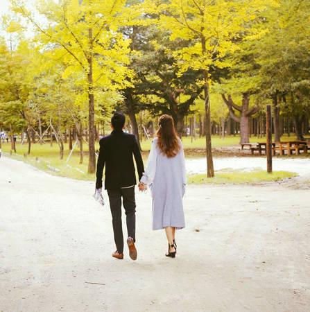 Đảo Nami là điểm đến ưa thích của hai vợ chồng anh Nam chị Ánh. Hai người ghi lại được nhiều hình ảnh lãng mạn, tình tứ như phim.