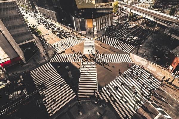 Ngã tư Shibuya nổi tiếng ở Tokyo.