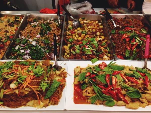 kham-pha-khu-foodcourt-ngon-bo-re-khong-phai-ai-cung-biet-o-bangkok-ivivu-2