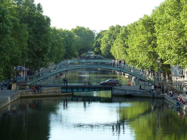 Cầu đi bộ Alibert và cầu xoay trên đường Dieu - Ảnh: wiki