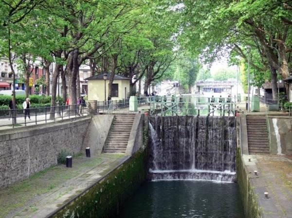 Một cống ngăn trên kênh Saint-Martin - Ảnh: wp