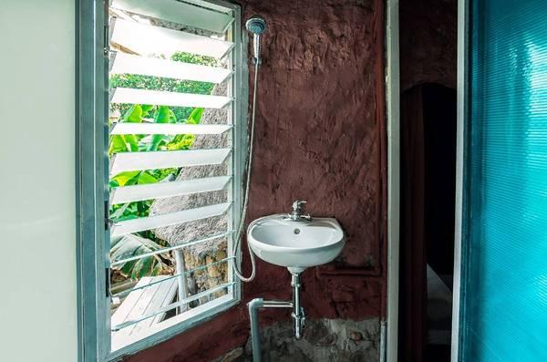 Thức dậy, vươn vai và ngắm nhìn ra ngoài qua ô cửa kính, bạn sẽ không thể tin được nơi này cũng ngay gần nhà mình.
