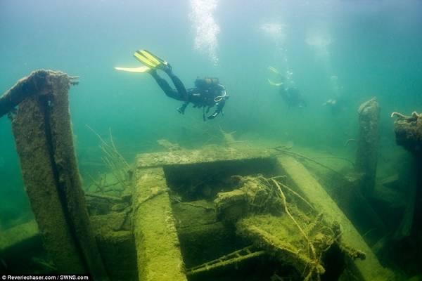 Các tay lặn bình khí từ khắp châu Âu đổ về đây để khám phá tàn tích.