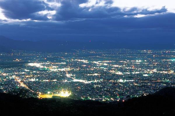 15. Công viên Nishi Zao (Yamagata): Rộng khoảng 75 ha và có 6 khu đầm lầy. Bạn chỉ cần ngắm cảnh từ bãi đậu xe của công viên Nishi Zao cũng đã đủ cho một chuyến du ngoạn đến đây.