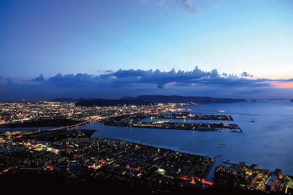 7. Yashima Shishinoreigan (Kagawa): Nơi đây được người bản xứ bình chọn là một trong 100 địa điểm ngắm hoàng hôn đẹp nhất ở Nhật Bản.