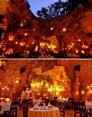 Nhà hàng trong hang cổ ở Kenya được thắp sáng hoàn toàn bằng nến - Ảnh: BOREDPANDA