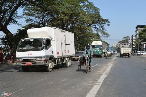 Yangoon là một trong những thành phố ở Myanmar có nhiều nét khác biệt về giao thông so với nhiều quốc gia trên thế giới.