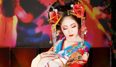 oiran-phien-ban-loi-cua-nhung-nang-geisha-nhat-ivivu-1