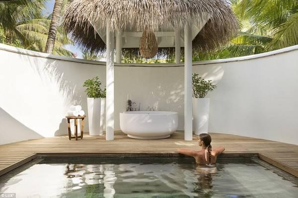 Du khách có thể thư giãn ở spa, tham gia một khóa tu hay yoga ngắn ngày để tìm lại khoảng thời gian tĩnh lặng cho tâm hồn.