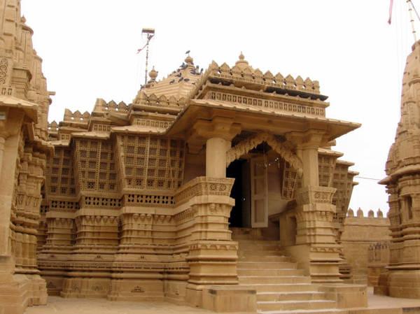 Một ngôi đền Jain ở Jaisalmer - Ảnh: mouthshut