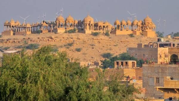 Phức hợp đài tưởng niệm Hoàng gia Bara Bagh - Ảnh: wp