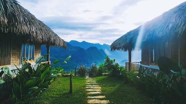 top-5-khach-san-resort-chi-can-elephant-tay-mot-cai-la-ngo-nhu-cham-may-troi-ivivu-5