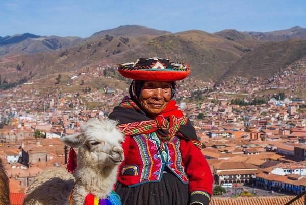 Machu Picchu có lẽ là điểm hút khách du lịch nhất ở Peru. Điểm đặc biệt của nước này là hệ thực vật độc đáo. Trong số 25.000 loài thực vật trên cả nước thì 30% số đó không thể tìm thấy ở bất kỳ nơi nào khác. Đầu bếp nổi tiếng Virgilio Martinez của Peru đang làm việc với người dân địa phương để nghiên cứu và bảo tồn những loài cây ít được biết đến của họ.