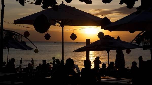 Rory's Beach Bar