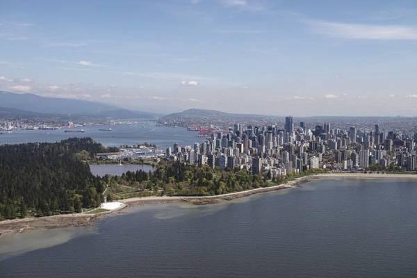 Tour ngắm cảnh từ trên thủy phi cơ giúp du khách chiêm ngưỡng hết vẻ đẹp của Vancouver
