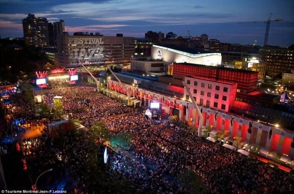 Lễ hội nhạc Jazz Montreal thu hút khoảng 2 triệu khách tham dự với rất nhiều hoạt động
