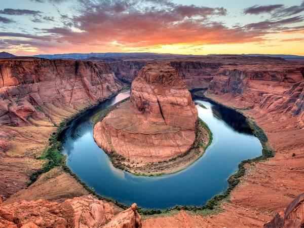 Đoạn sông Colorado cong hình móng ngựa ở Grand Canyon, bang Arizona. Ảnh: Getty.