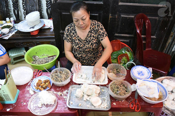 5-hang-banh-ran-man-gia-tien-le-nhung-ngon-khong-che-vao-dau-duoc-cua-ha-noi-ivivu-22