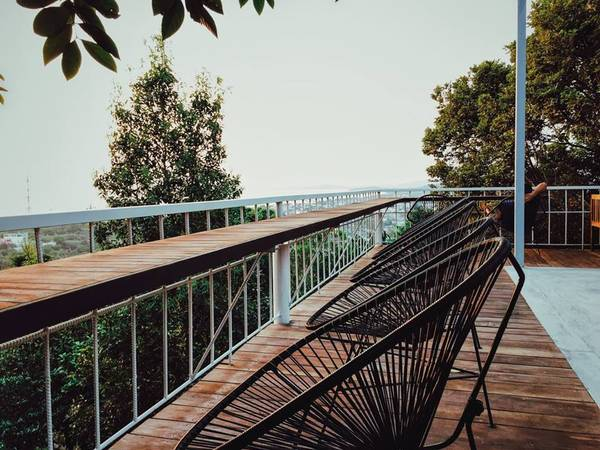 88-Hilltop-Hostel-voi-view-nhin-thich-me-o-phu-quoc-ivivu-9
